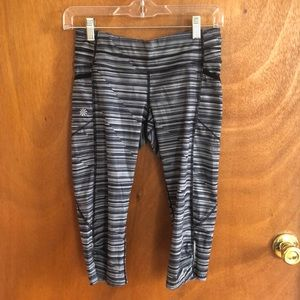 Athleta 3/4 length XS leggings